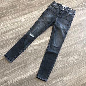 Frame - High Waist Jeans - 26